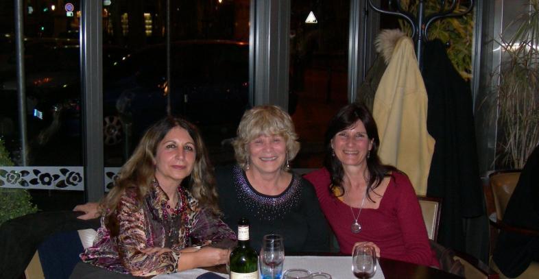 de g à d. Catherine TAMISIER, Christina HALL et Florence GUITTONNY.